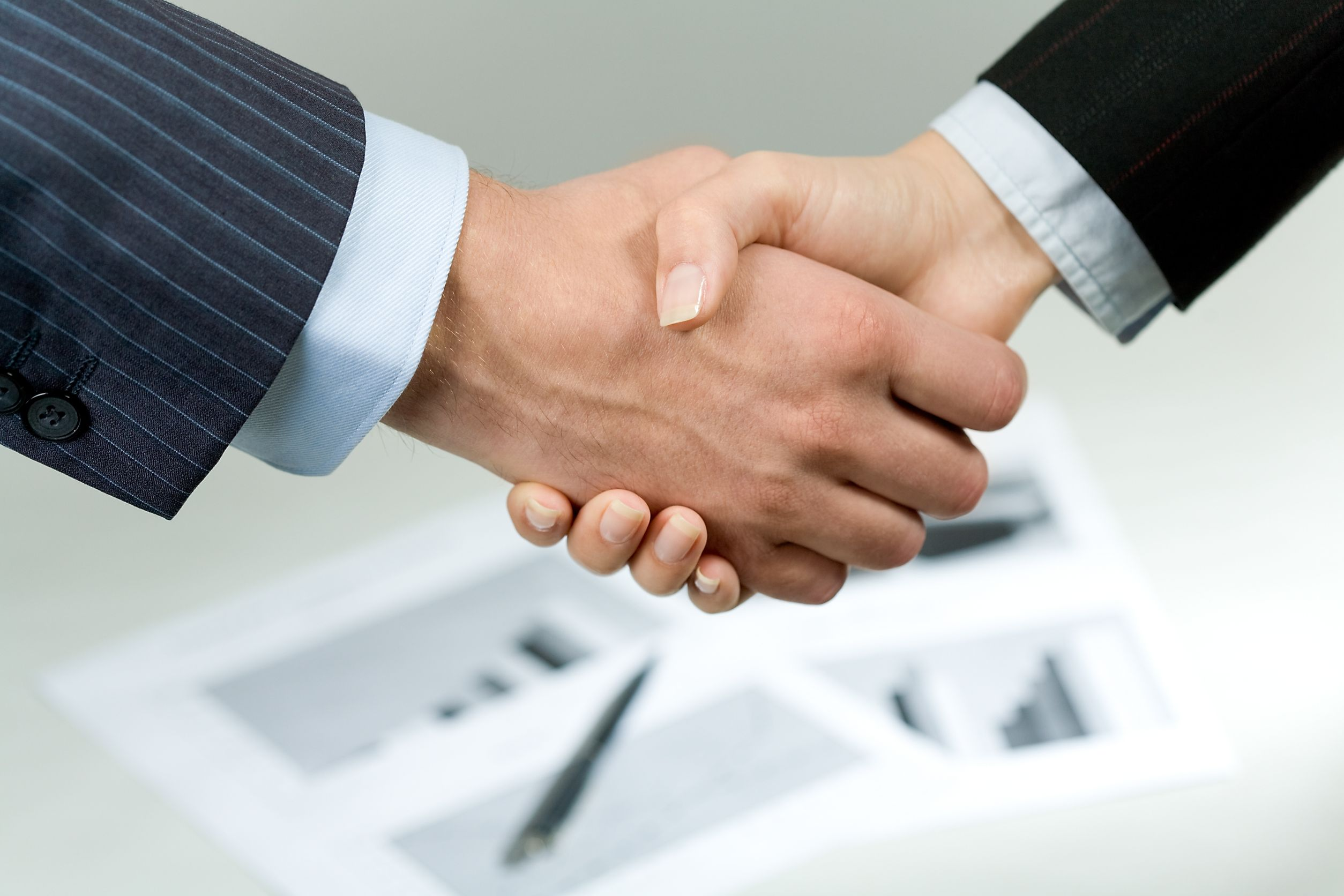 business_shake_hands